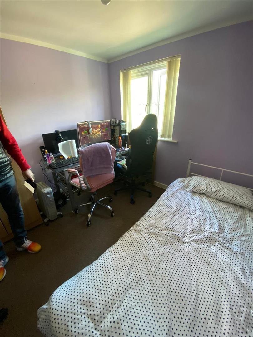 2 Bedroom Block Of Flats For Sale - 8.jpg